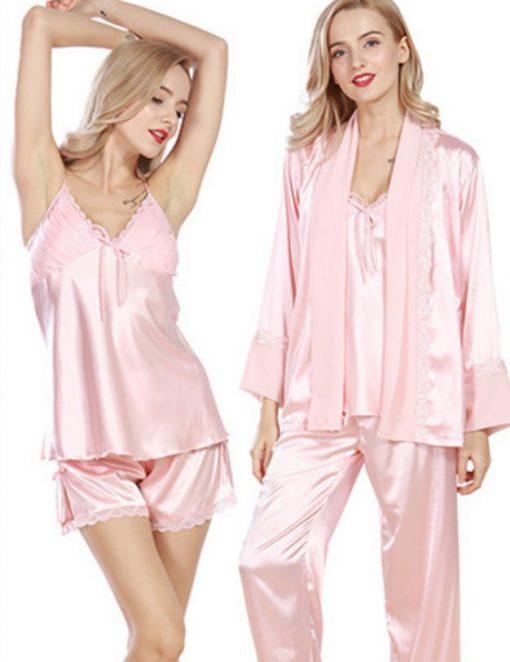 O pijama sexy este ideala atat pentru inceputul unei nopti fierbinti cat si pentru somn. Setul include: pantaloni scurti , pantaloni lungi, halat si babydoll cu bretele reglabile.