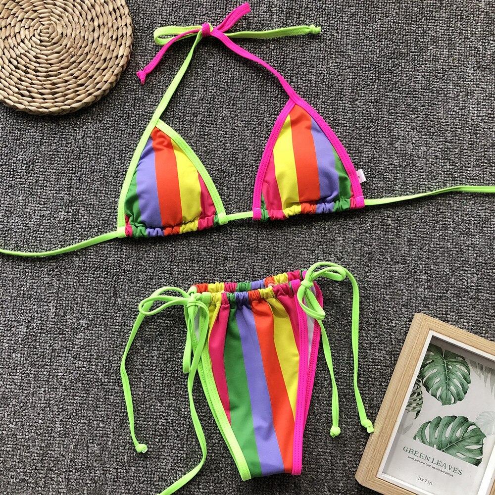 Costum de baie multicolor cu slip brazilian si sutien triunghi Lefkada